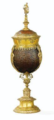 *Noix de coco montée en laiton doré. Probablement Augsbourg vers 1610 - Sotheby's