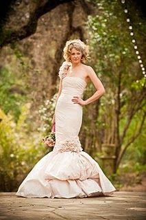 this woman sewed her own wedding dress! beautiful!