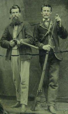 The soldiers that capture Miguel's parents.