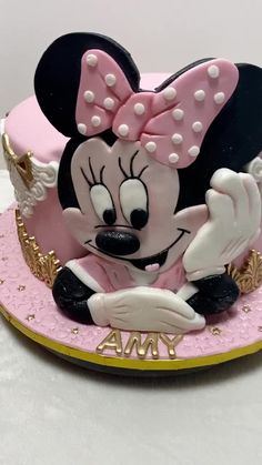 Cozy Eclectic Living Room, Cake Decorating, Decorating Ideas, Minnie Mouse Cake, Disney Cakes, Girl Birthday, Girls, Toddler Girls, Daughters
