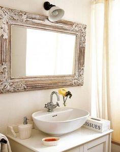 Specchio rettangolare in bagno