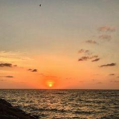 Sunset from the sea way at the port   #port #sun #sunset #beach #sun #nature #traveler #sunsets #sunset_ig #sunset_pics #sunsetgram #sunsethunter #photography #natureza #naturephoto #beachphoto #seapix #igers