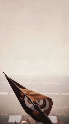Galatasaray AS 736 X 1308 Celebrities Wallpaper. Iphone Wallpaper Herbst, Watercolor Wallpaper Iphone, Iphone Wallpaper Glitter, Wallpaper Iphone Disney, Fall Wallpaper, Tumblr Wallpaper, Wallpaper Ideas, Iphone Wallpaper Sports, Paper Wallpaper