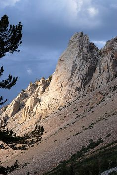 Table Mountain outcrop, above Aspendel, West of Bishop