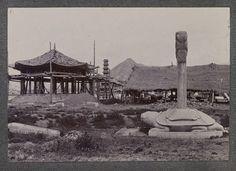 미국의 유명 소설가이자 아마추어 사진가였던 잭 런던이 러일전쟁 시기 종군기자로 조선을 방문해 찍은 사진을 모아 봤다. 잭 런던은 일본군을 따라 러일전쟁을 취재하면서 조선에 대한 글을 기고했고, 1982년 프랑스에서 '조선사람 엿보기'란 제목으로 책이 출판됐다. 2011년 한울출판사를 통해 번역되어 소개되기도 했다. OAC(Online Archive of California) 제공 Old Pictures, Vintage Photos, Mount Rushmore, Korea, Politics, Mountains, Nature, Painting, Travel