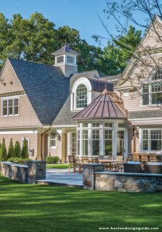Custom Built by Sanford Custom Builders; Architecture by Jan Gleysteen Architects; Photography by Richard Mandelkorn