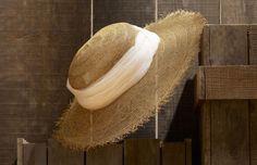 Cappelli e borse di paglia, decorazioni fai da te