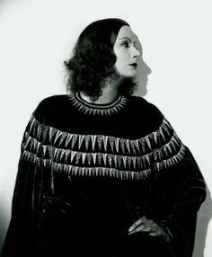 Greta Garbo - and I love the sweater!