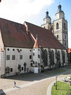 The famous sites of the Reformation in Wittenberg are among the most important places in German history. The Church of St. Mary, where Luther preached and shared both bread and wine during Holy Communion for the first time, and the castle church, where Luther's grave is located, attract visitors from all over the world every year.