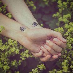 flores tatuaje