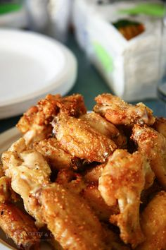 Garlic Parmesan Chicken Wings & Drumettes are super easy because they are baked, not fried. Whether it's pre-holiday snacking or game day munching, delish! Bbq Chicken Dip, Parmesan Chicken Wings, Cooking Chicken Wings, Pre Cooked Chicken, Cooked Chicken Recipes, Fried Chicken Wings, How To Cook Chicken, Garlic Parmesan Wings Fried, Keto Chicken