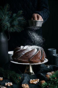 Perníková bábovka s brusnicami - The Story of a Cake Captain Hat, Food And Drink, Baking, Cake, Fotografia, Bakken, Kuchen, Backen, Torte