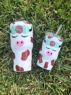 Mini tumbler for baby girl! Diy Tumblers, Custom Tumblers, Glitter Cups, Glitter Girl, Glitter Bomb, Glitter Paint, Glitter Cardstock, Cute Gifts, Diy Gifts
