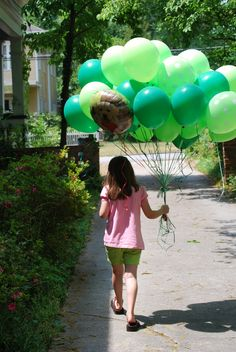 balloon girl back.