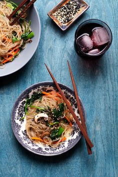 Jap Chae - Korean Glass Noodles with Vegetables - hungrygirlporvida.com