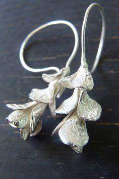 Etsy の Succulent Drop Earrings by ManiDesigns I Love Jewelry, Jewelry Art, Silver Jewelry, Jewelry Accessories, Jewelry Making, Unique Jewelry, Vintage Jewellery, Silver Rings, Flower Earrings