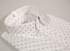 Button down shirt white with small blue bill ingram