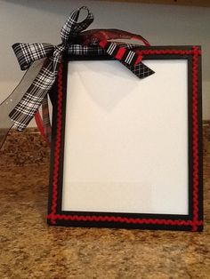 Picture Frame To Do List- I found this idea on Pinterest and made one for my classroom. I'll put it on my desk with an Expo to make my to do lists.
