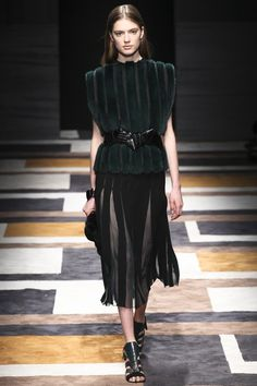Salvatore Ferragamo - in love with the belts!!! ♥ another favorite show from this season!!!