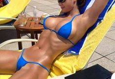 Micro Bikinis Are Stunning For These Reasons :) Enjoy in gallery. http://photogallery16.com/1776213-10587055