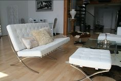 The standard for minimalist design, the #Barcelona #Sofa not only saves space but serves as a stylish and comfortable sitting piece. http://ow.ly/oovh7