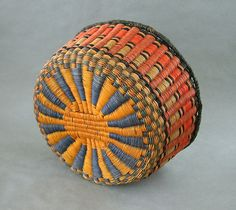 Old Hopi Wicker Woven Basket Bowl 10 x 5 Inch Vivid Earth Colors by liked by wickerparadise, visit our wicker furniture selection. Weaving Projects, Weaving Art, Weaving Patterns, Native American Baskets, Native American Art, Linen Baskets, Wicker Baskets, Indian Baskets, Art Diy