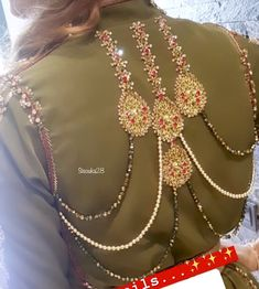 F○LL○W ME ○N INSTAGRAM   ACC○_1/ AMMYVERMA0 PH○T○SH○P ACCOUNT  ACC○UNT_2/ AMMMY5844 JEWELLERY ACC○UNT CONTACT US WHATSAPP  9170945731 Sleeves Designs For Dresses, Dress Neck Designs, Blouse Designs, Moroccan Jewelry, Bridal Hijab, Mode Abaya, Stylish Dpz, Moroccan Caftan, Caftan Dress