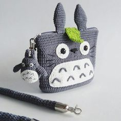 Crochet Kids Purse Pencil Cases 30 Ideas For 2019 Crochet Coin Purse, Crochet Pouch, Crochet Purses, Cute Crochet, Crochet For Kids, Crochet Dolls, Crochet Crafts, Crochet Projects, Crochet Pencil Case