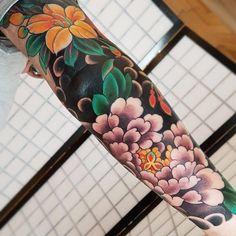 the best full sleeve tattoos Japanese Tattoo Symbols, Japanese Tattoo Designs, Japanese Sleeve Tattoos, Tattoo Japanese, Cute Tattoos, Beautiful Tattoos, Body Art Tattoos, Tattoos For Guys, Tattoos Pics