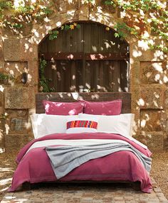 The ultimate guide to #eco-bedding!  #sleep #homedecor | #OrganicSpaMagazine