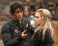 The 100 co-stars Eliza Taylor and Bob Morley revealed that they were secretly married this week, leaving their fans shocked by their secret romance. The 100 Show, The 100 Cast, The 100 Characters, The 100 Serie, Bellamy, Secretly Married, Bob Morley, High Fashion Makeup, Eliza Taylor