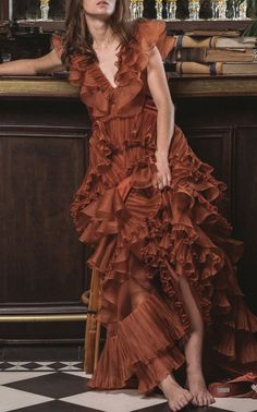 Get inspired and discover Johanna Ortiz trunkshow! Shop the latest Johanna Ortiz collection at Moda Operandi. Silk Gown, Silk Organza, Couture, Orange Gown, Moda Vintage, Cotton Dresses, Women's Dresses, Ladies Dresses, Evening Dresses