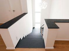 Treppe aus Schieferfliesen Mustang und Universalplatten