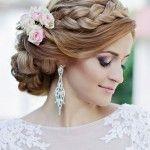 Ideas de peinados para novias glamorosas o damas de honor