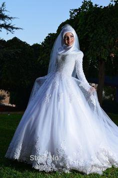 Vintage Ball Gown Lace Hijab Wedding Dress Islamic Long Sleeve Muslim Wedding Dress