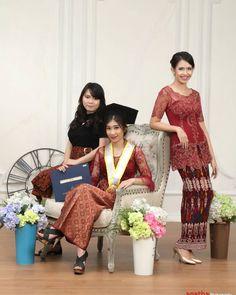 Agatha 02 Graduation Photos, Kebaya, Photo Poses, Photo Studio, Indoor, Instagram Posts, Photography, Style, Fashion