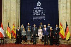 Los Reyes reciben a los galardonados horas antes de los Premios Princesa de Asturias. 21.10.2016