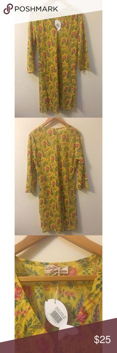 "🌻 NWT ✨ OS Yellow 3/4 Sleeve Cotton Sundress 🌻 New with tags ✨ 3/4 Sleeve One Size Fits All Yellow Sundress. 100% Cotton. 19"" waist laying flat (38"" circumference), 20"" Bust laying flat (40"" circumference), 37"" in length. Beautiful pattern 🌿 Purchased in Poland. Urban Outfitters Dresses"