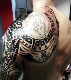 Back Of Shoulder Maori Tattoos On Guy