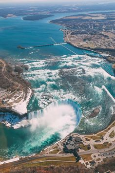 These Most Beautiful Waterfalls are unforgettable travel destinations. Put these Most Beautiful Places to visit on your Bucket List. Beautiful Places To Travel, Best Places To Travel, Places To Go, Ontario Travel, Toronto Travel, Best Helicopter, Les Cascades, Destination Voyage, All Nature