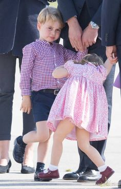 Prince George of Cambridge and Princess Charlotte of Cambridge depart from Hamburg airport on the last day of their official visit to Poland and. English Royal Family, British Royal Families, George Of Cambridge, Duchess Of Cambridge, Prince William And Catherine, Prince William And Kate, Little Girl Fashion, Kids Fashion, Duchess Kate