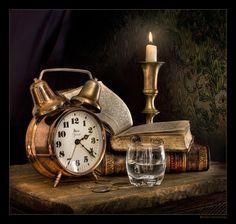 Still Life Photos, Still Life Art, Top Photos, Photographie Portrait Inspiration, Old Clocks, Light Painting, Still Life Photography, Life Drawing, Alarm Clock