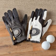 Personalized Leather Golf Glove with Magnetic Ball MarkeGive your #groomsmen this right-handed Leather Golf Glove with personalized magnetic ball marker and tee holder. Available in black or white
