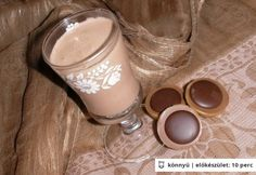 Baileys, Nutella, Glass Of Milk, Food And Drink, Drinks, Tableware, Bor, Smoothie, Drinking
