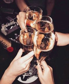 P ~ a little party, night life, party time, cheers, Mode Collage, Boujee Aesthetic, Alcohol Aesthetic, Champagne Party, Silvester Party, A Little Party, Jolie Photo, Rich Girl, Gatsby