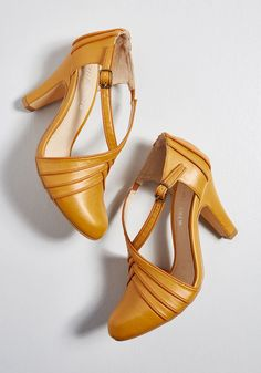 Style Shoes for Women - Style Shoes – Art Deco Shoes Time for Terpsichore Heel in 39 by Chelsea Crew from ModCloth - Pretty Shoes, Beautiful Shoes, Cute Shoes, Pin Up Shoes, Me Too Shoes, Saddle Shoes, Shoe Boots, Women's Shoes, Golf Shoes