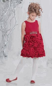 Little Girl Holiday dress.  My Kylee would look beautiful in this. ..!!:-)