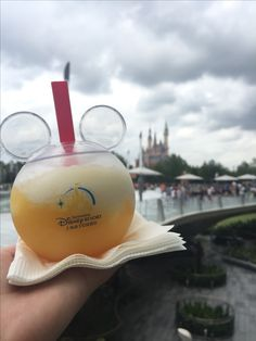 Stitch's Aloha Blast / Shanghai Disney ❤ Want to know where to try this delicious pineapple drink? Click the link for MORE INFO! Disney Desserts, Disney Snacks, Disney Trips, Disney Recipes, Walt Disney, Cute Disney, Disney Magic, Viaje A Disneyland Paris, Disneyland Food
