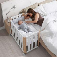 Móvel inteligente, berço que encaixa na cama dos pais. Se ainda faltar espaço, encontre um aqui: https://www.cabemcasa.com.br/busca/sao-paulo-sp/espaco