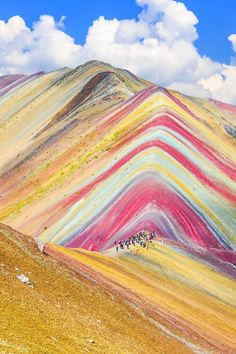 Montaña de Siete Colores (Rainbow Mountain) in Vinicunca, Cusco Region, Peru If you want to see some mind-blowingly beautiful destinations or plan a trip, allow our list of the prettiest places on earth to guide the way Beautiful Places To Travel, Cool Places To Visit, Beautiful World, Places To Go, Beautiful Beautiful, Wonderful Places, Amazing Places On Earth, Places Around The World, Beautiful Things